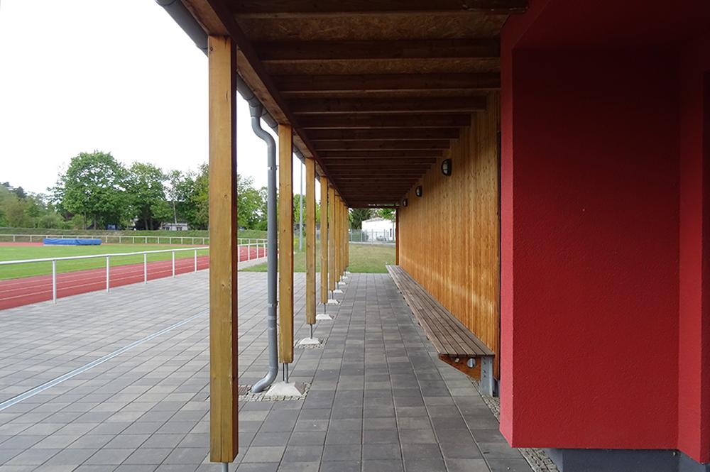 Multifunktionsgebaeude-und-Sportplatz_9